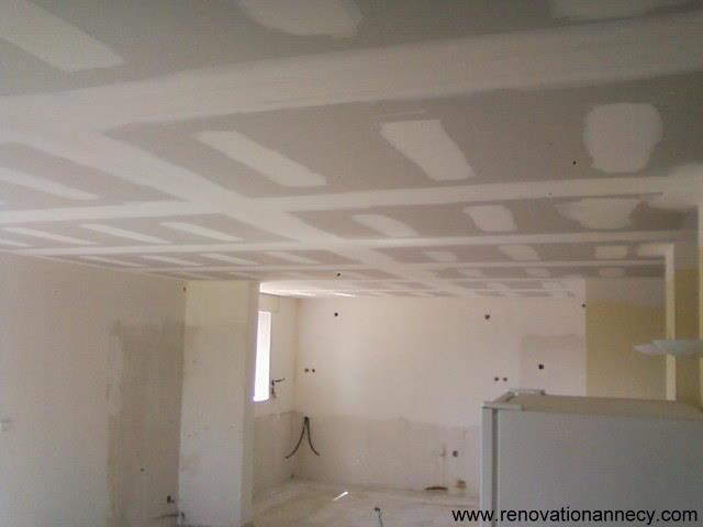 R alisation faux plafond plaquiste sur annecy for Faux plafond colle
